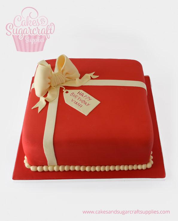 Vianna Parcel Birthday Cake
